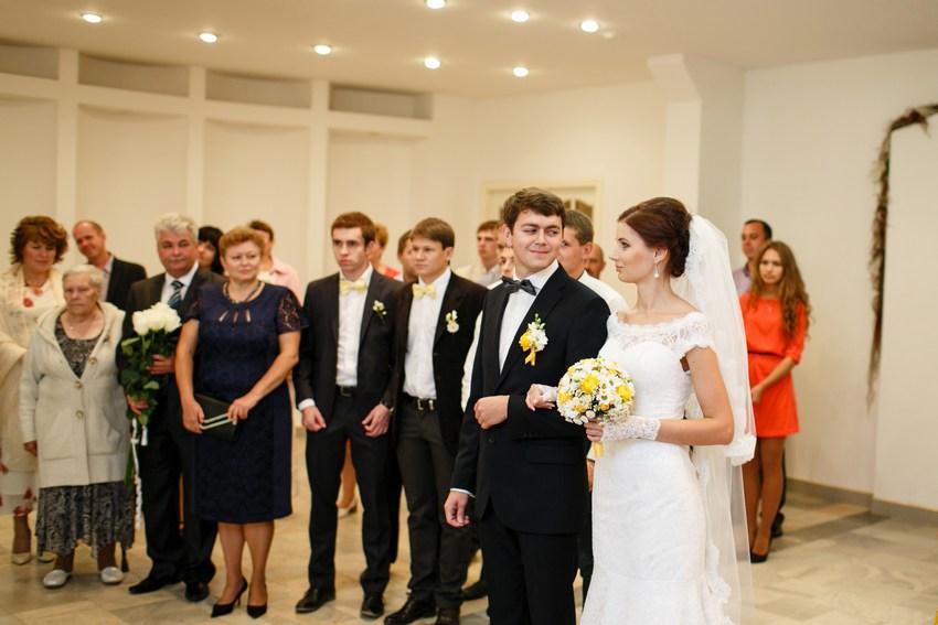 Свадебный торт желто-голубой фото 6