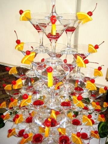 Пирамида из шампанского на 25 человек